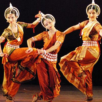 10-danze-indiane