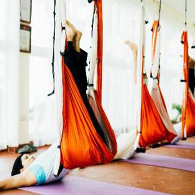 11-yoga-aereo-acrobatico