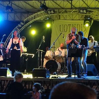 Uotisdis-Band