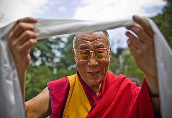 dalai-sciarpa-ok-kha-tag-580x400