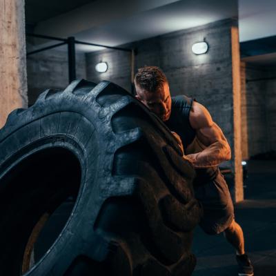 strongman-novita